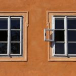 sealing stucco around windows